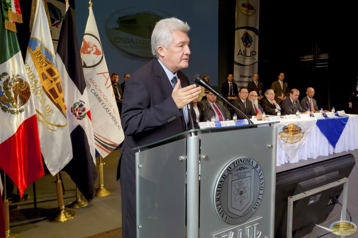 Carlos Arturo Luna   Firmas de Convenios ALIUP y Universidades en México