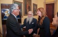 Señor Vicepresidente de la República de Costa Rica, Dr. William Soto, Embajador Mundial y Lic. Gabriela Lara, Directora General de la Embajada Mundial de Activistas por la Paz