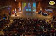 El Dr. William Soto durante el II Seminario Internacional de la Alianza Internacional Universitaria por la Paz (ALIUP) realizado en Colombia, convidó a educadores y estudiantes a unir esfuerzos en la implementación de una Educación que promueva el respeto de la dignidad humana, la igualdad, la libertad y el respeto mutuo entre todos los miembros de la familia humana.