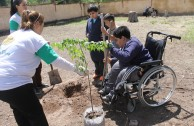 """Presentación del Proyecto """"Hijos de la Madre Tierra"""" en la escuela """"República de Chile"""", Mendoza (Argentina)"""
