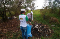 Waste collection on the banks of Piraí