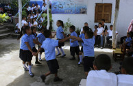 Environmental fairs for the care of beaches and rivers in El Salvador.