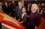 Inge Chaskel, su hijo Tomás y su nieta Hanna, continuación del pueblo de Israel.