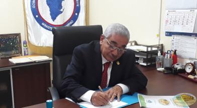 Firma de la Proclama por parte del Gobernador