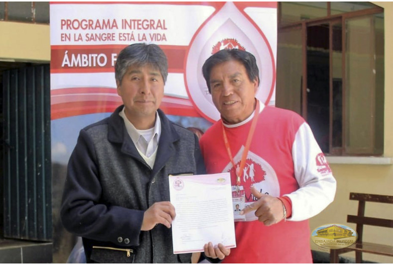 Pastor de iglesia recibe las charlas de sensibilización acerca de la donación de sangre