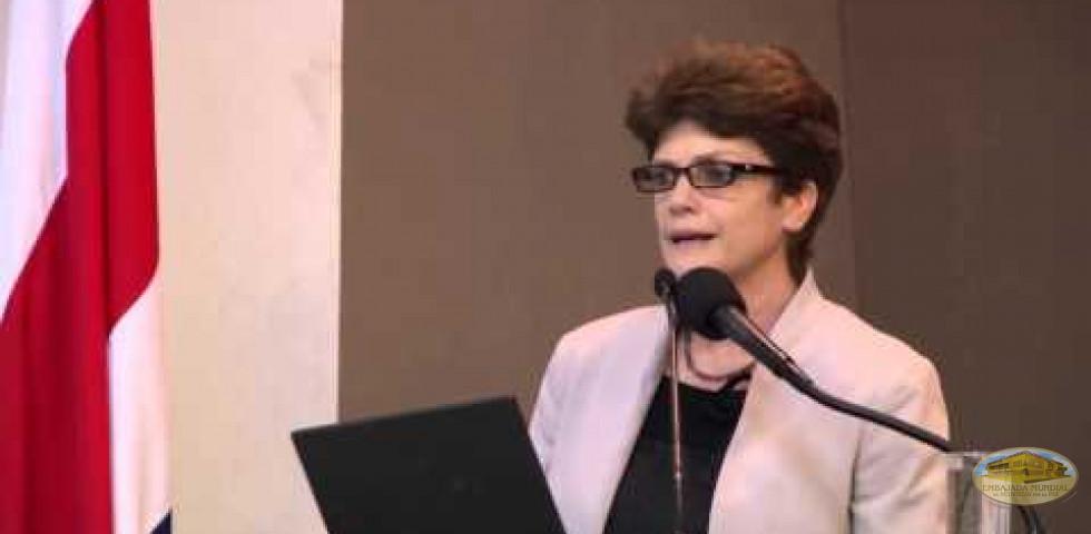 Paula Dobles, Universidad de Costa Rica